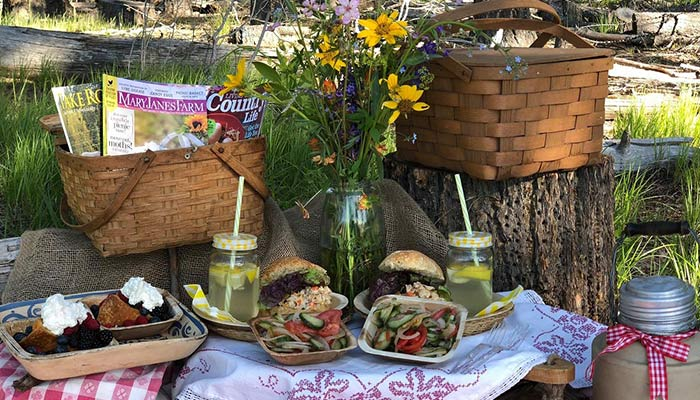 Simple Farm Tradition: Summer Picnic